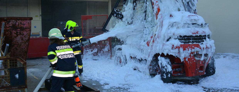 Gasstaplerbrand in Weißenbach
